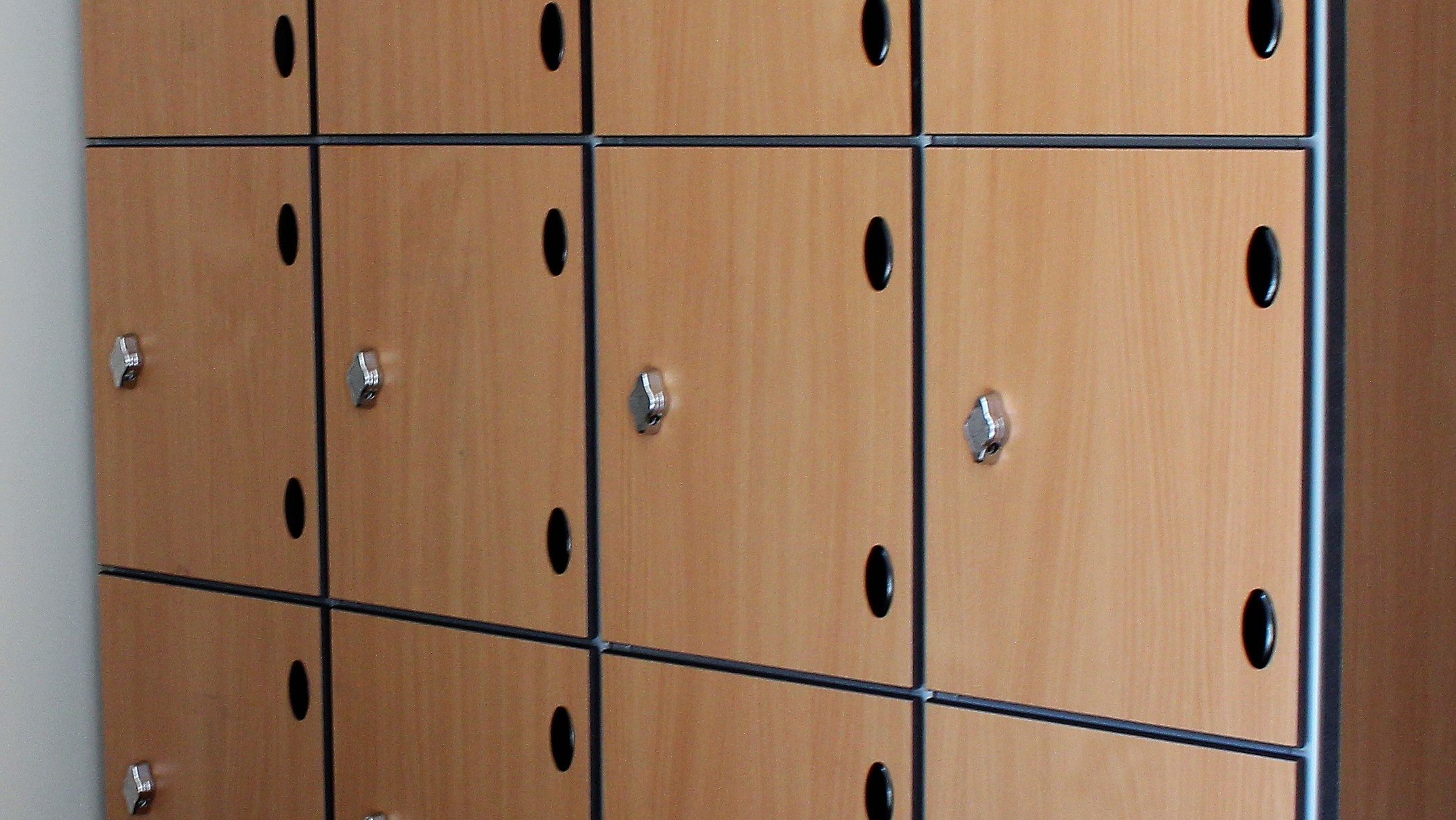 Wooden lockers are on the way out wood effect lockers are the way to go! - Lockertek